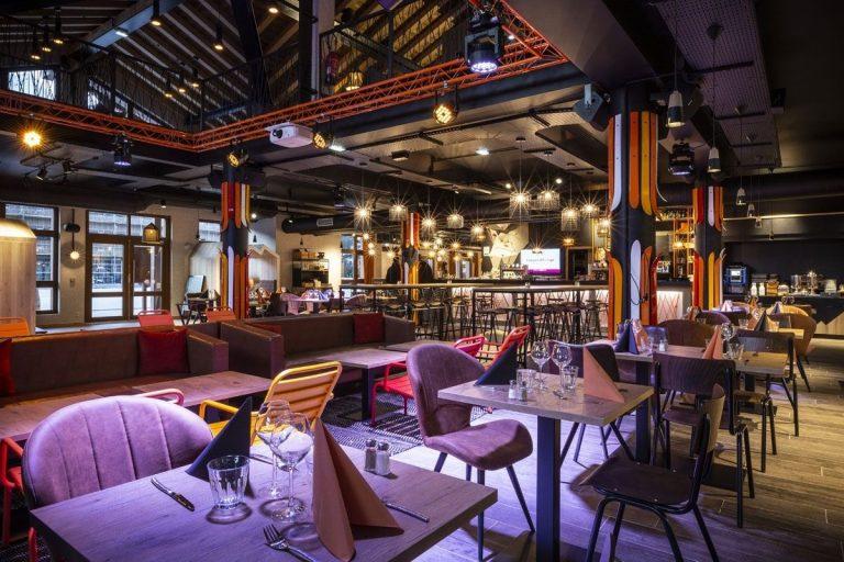 211-bc7-bar_restaurant-manureyboz